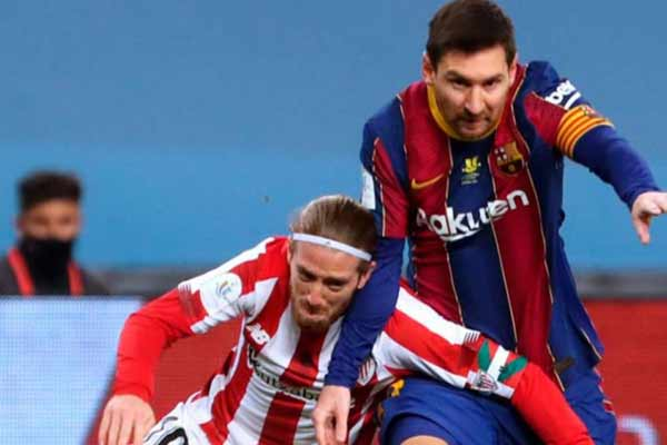 Messi gets red card for the first time in Barcelona - Football News in Hindi
