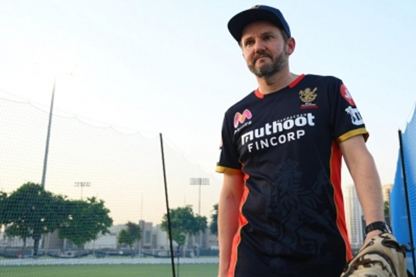 Humiliating loss has got nothing to do with Virat statement: RCB coach Hesson - Cricket News in Hindi