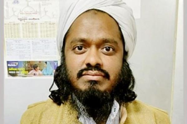 Militant Hefazat leader arrested in Dhaka - World News in Hindi