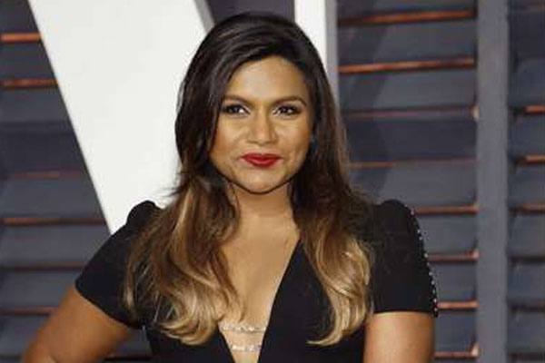 Mindy Kaling: Reese Witherspoon is such a great source of parenting advice - Hollywood News in Hindi