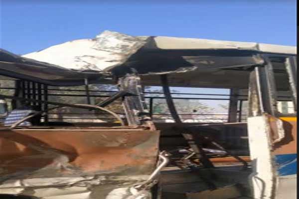 Mini bus overturned in Jaipur, 1 killed, 11 injured - Jaipur News in Hindi