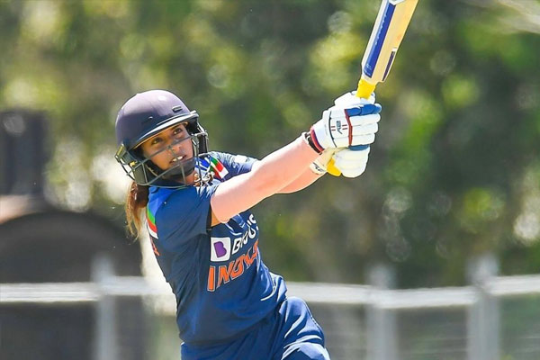 Mithali reaches milestone, completes 20,000 career runs - Cricket News in Hindi
