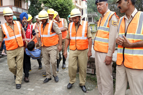 Rehearsal for dealing with disasters in rainy season - Mandi News in Hindi