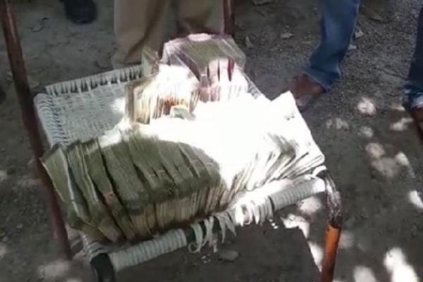 कार से 18 लाख रुपये कैश बरामद, नहीं मिला नकदी का हिसाब