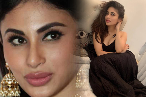 Trolls dub Mouni plastic, compare her to Rakhi Sawant - Bollywood News in Hindi