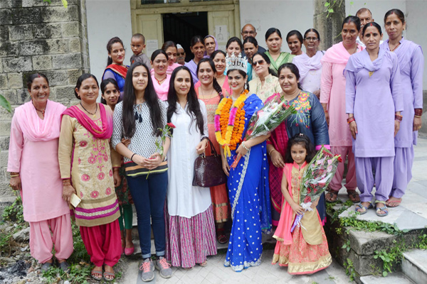 Welcome to Mrs. India Rinku Bhagat at Mandi - Mandi News in Hindi