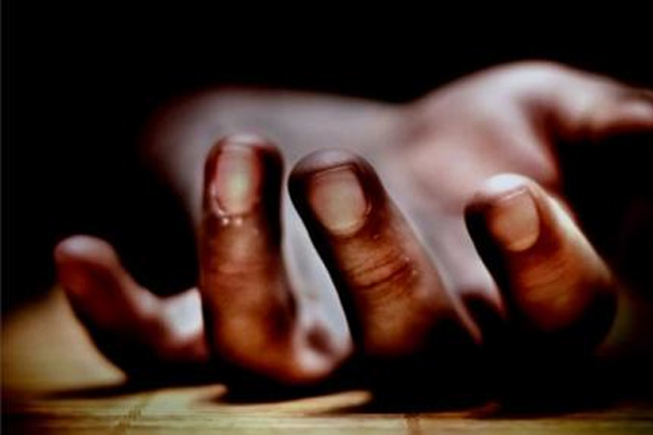 UP: चोरी करने आये 2 युवको को ग्रामीणों ने पकड़ा, एक की पीट-पीटकर हत्या