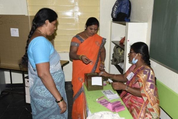 उप्र : पंचायत चुनावों में पहली बार मतदान करेंगे वनटांगिया गांव के लोग