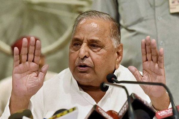 Constitution experts says, still Mulayam Singh Yadav is president of SP - Lucknow News in Hindi