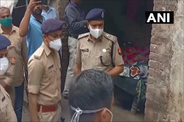 Mother and daughter murdered by slitting their throats in UP Prayagraj - Allahabad News in Hindi