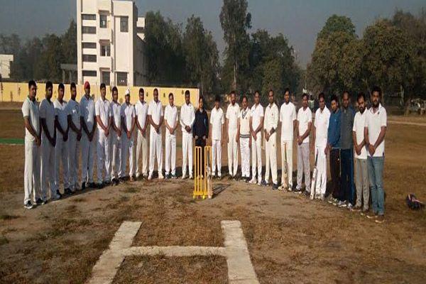 मैच में पुलिस टीम ने जीता मुकाबला