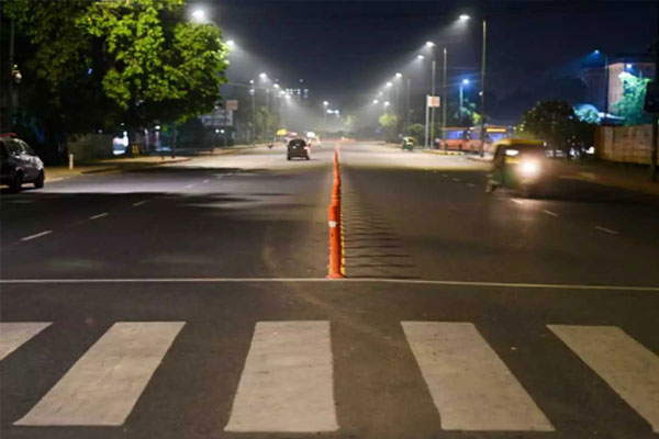 Night curfew implemented in Lucknow, Kanpur, Varanasi due to increasing cases of corona - Lucknow News in Hindi