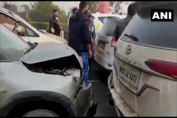 रामपुर जा रही प्रियंका के काफिले की गाड़ी आपस मे टकराई