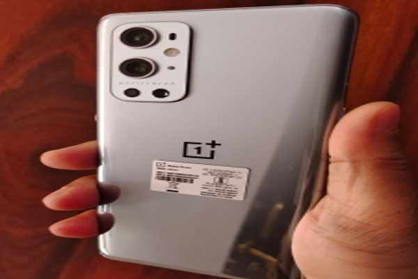 OnePlus 9 Pro users report overheating issues - Gadgets News in Hindi