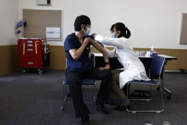 Over 50 percent of Japan population fully vaccinated - World News in Hindi
