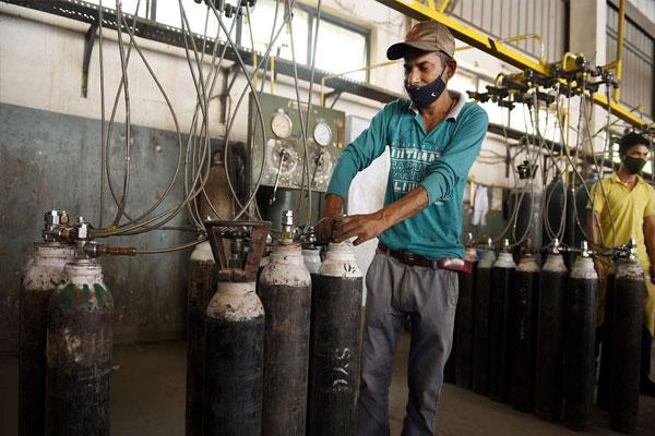 वाराणसी के अस्पतालों के पास अपने ऑक्सीजन संयंत्र होंगे