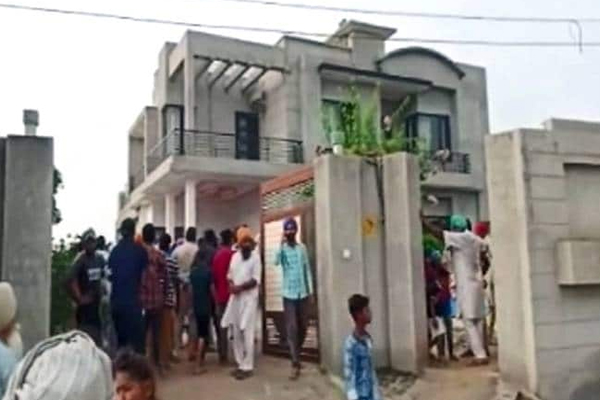 Punjab man commits suicide after killing family members - Moga News in Hindi