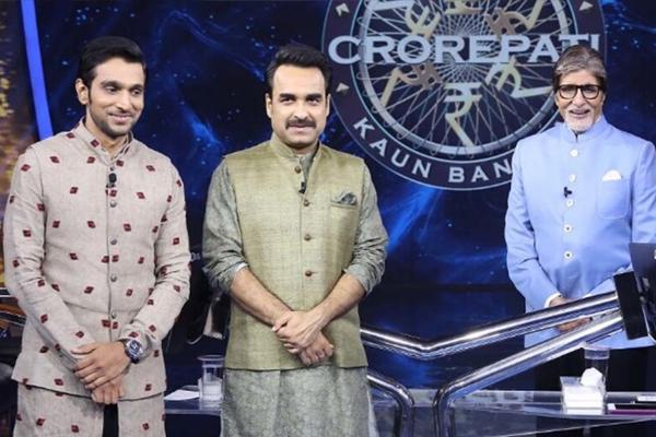 Pankaj Tripathi, Pratik Gandhi next special guests on KBC 13 - Television News in Hindi