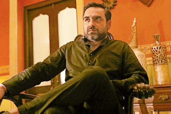 How Pankaj Tripathi avoids extreme negativity as a villain - Bollywood News in Hindi