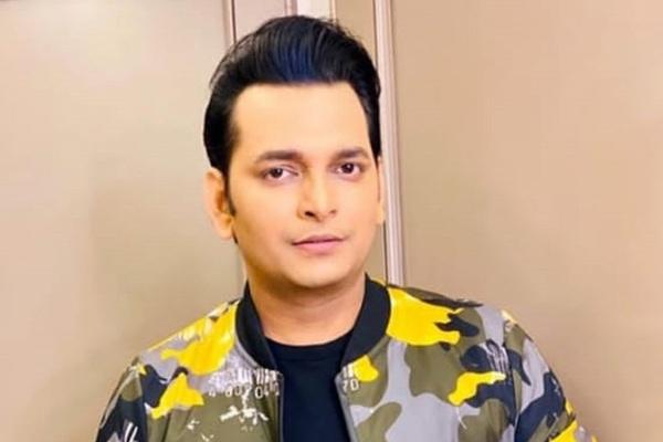 Paritosh to bring his version of Bollywood actors on TV - Television News in Hindi