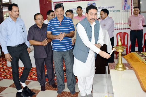 dharamshala news : Provision of 80 crores rupees in mukhyamantri swavalamban yojana hp : Vipin Singh Parmar - Dharamshala News in Hindi