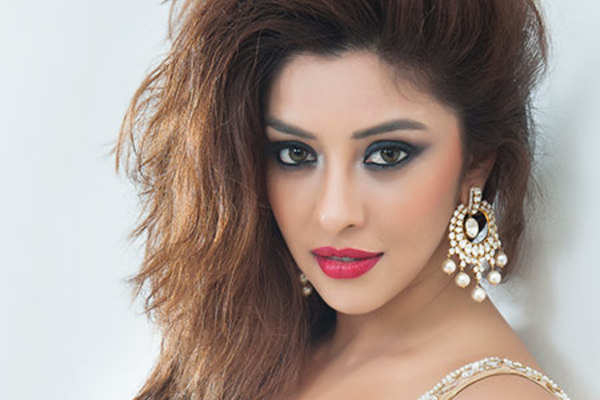 Payal Ghosh: Have isolated myself till I get my COVID tests done - Bollywood News in Hindi