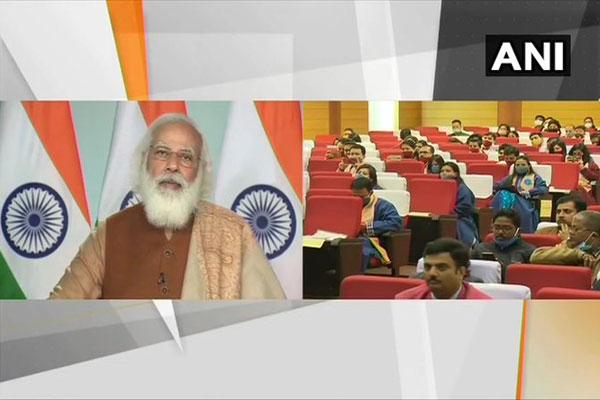 PM Modi addressing the 18th convocation of Tezpur University - Tezpur News in Hindi