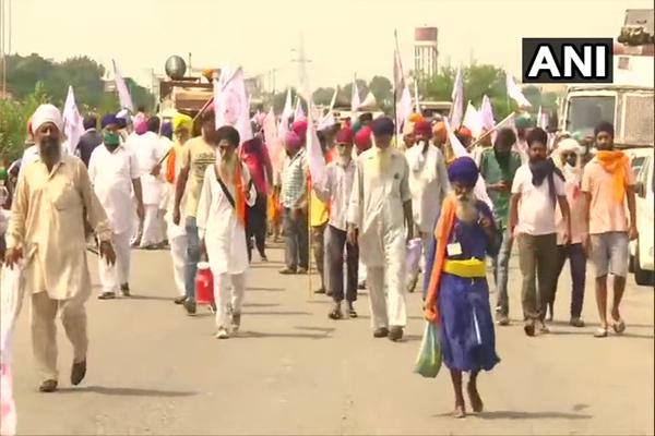 पंजाब में कृषि अध्यादेशों के खिलाफ विरोध-प्रदर्शन, देखें तस्वीरें