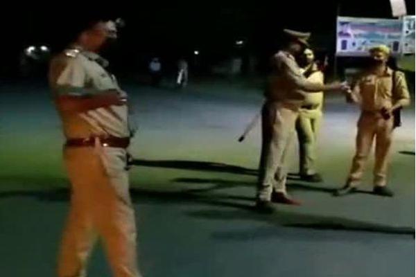 जयपुर में अनुशासन पखवाड़े कर्फ्यू में पुलिस चेकिंग, मिली चाइनीस मांजे की अट्ठारह चरखिया