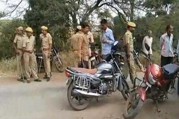 बीजेपी नेता की गोली मारकर हत्या, फिर तलवार से किया सिर कलम
