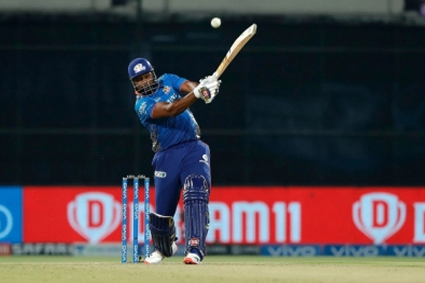 Pollard was stunned by 1st contract offered by MI: Bravo - Cricket News in Hindi