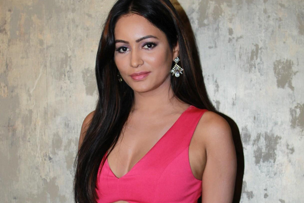Pooja Bisht opens up on her role in Flawed - Bollywood News in Hindi