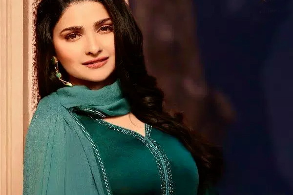 Prachi Desai plays a cop in new murder mystery - Bollywood News in Hindi