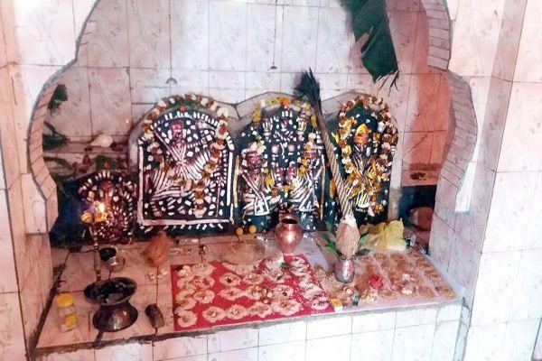 Deonarine temple is the center of faith - Pratapgarh News in Hindi