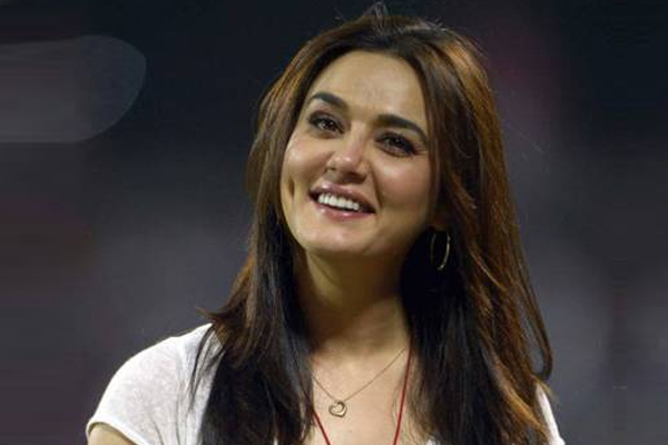 Preity Zinta: Missing those carefree days when pandemics were in history books - Bollywood News in Hindi