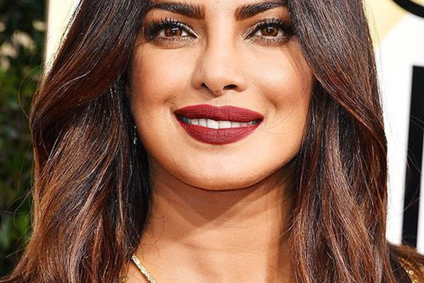 Priyanka Chopra is grateful to be living in the light - Bollywood News in Hindi
