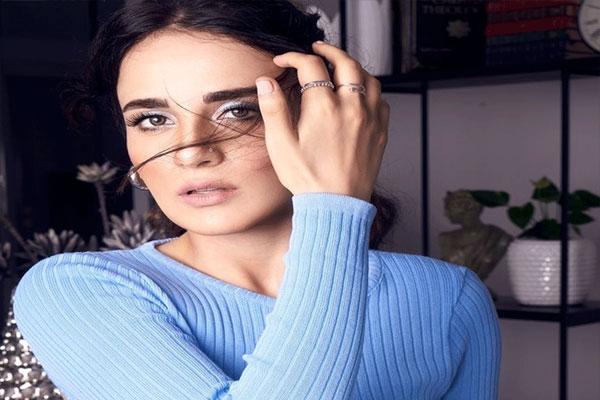 Radhika Madan on her love life: I never love in instalments - Bollywood News in Hindi