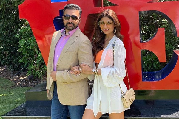 Crime Branch team reached Shilpa Shetty house regarding Raj Kundra, being questioned face to face - Mumbai News in Hindi