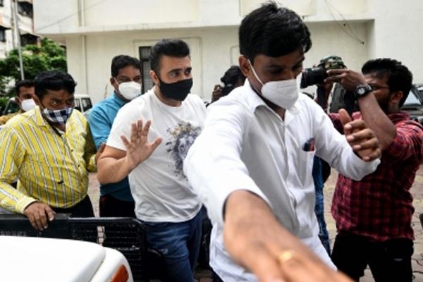 Raj Kundra gets judicial custody till Aug 10 - Mumbai News in Hindi