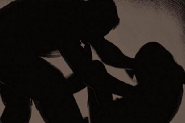 नाबालिग से रेप, लड़की हुई गर्भवती