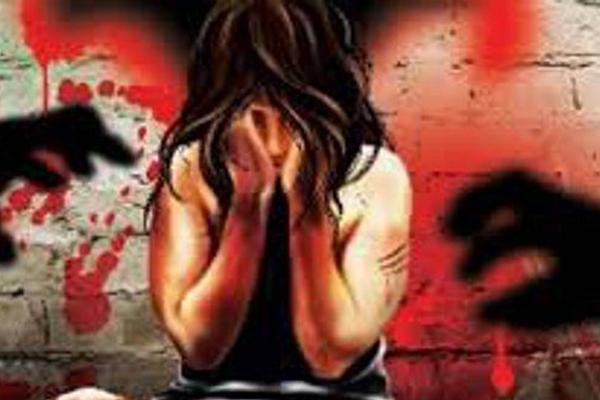 उत्तर प्रदेश में हाईस्कूल छात्रा के साथ दुष्कर्म के बाद चाकू मारा गया