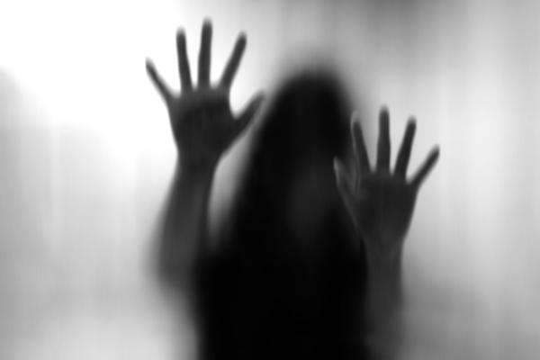 देवर बना हैवान, भाभी को अकेले देख किया बलात्कार