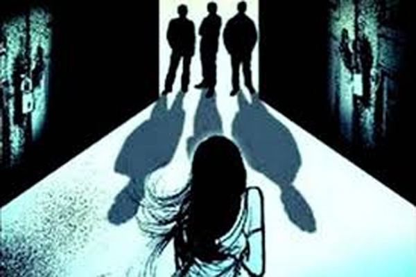 Girl raped inside Jhansi College Campus in UP - Jhansi News in Hindi
