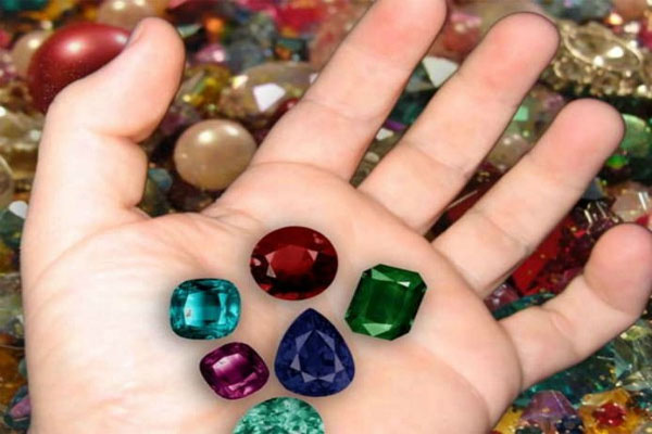 All diseases will be overcome by wearing these gems - Jyotish Nidan in Hindi