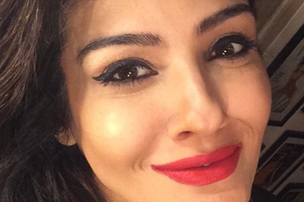 Raveena Tandon: Missing a bit of the red lipstick action - Bollywood News in Hindi