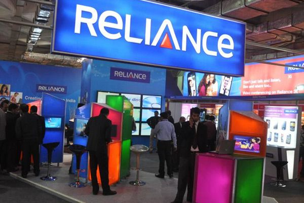 RCOM fails to repay bank loans,seeks some mor time - India News in Hindi