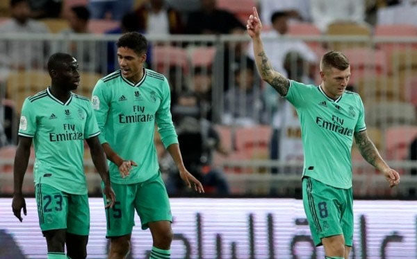 Real Madrid beat Valencia 3-1 in Super Cup - Football News in Hindi