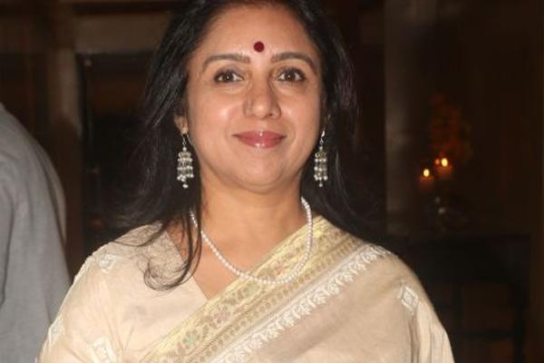 Revathi returns to Hindi cinema with in-production Aye Zindagi - Bollywood News in Hindi