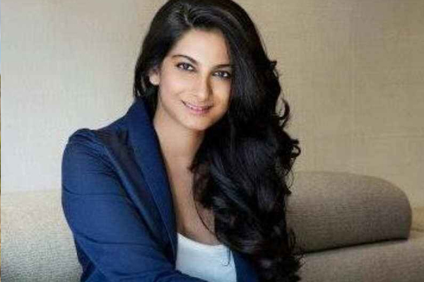 Rhea Kapoor gave Shashwat Sachdev his first break in Veere Di Wedding - Bollywood News in Hindi