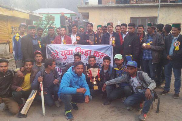 राईजिंग स्टार निचार नेने जीती क्रिकेट प्रतियोगिता